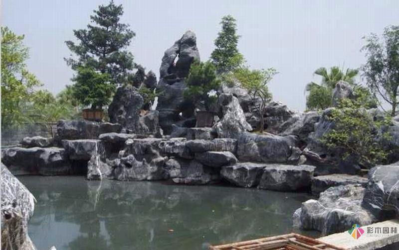 景观石是景观设计的重要材料之一
