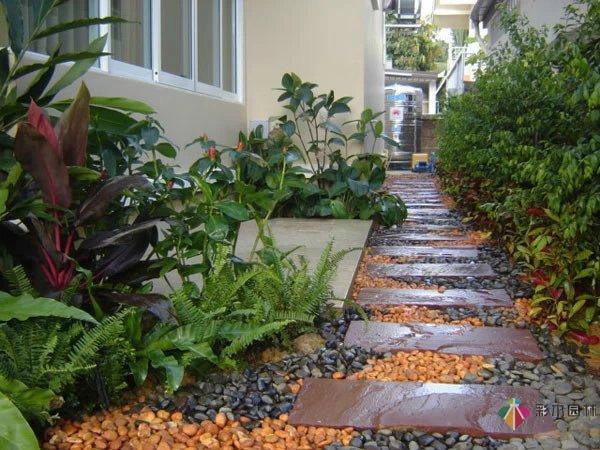 花园设计里的小径改如何设计?这些案例应该给你不少灵感