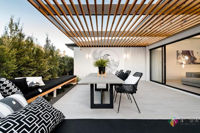 5个花园设计廊架案例,可搭建防雨遮阳棚的庭院更实用