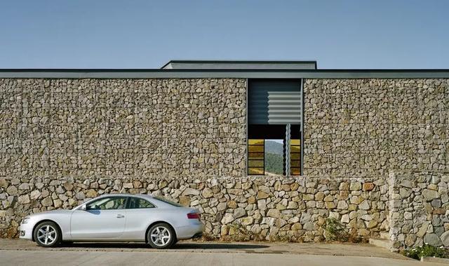 创意石笼墙设计应用花园设计也是非常美